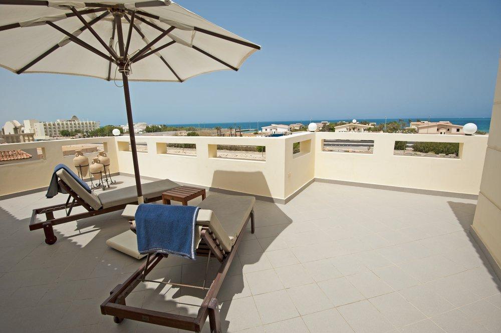 Chalet-con-terraza-en-Arenales-del-Sol-como-aprovecharla Aprovecha tu chalet con terraza en Arenales del Sol